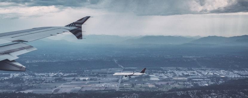 aeroplane wing runway approach - SingSaver