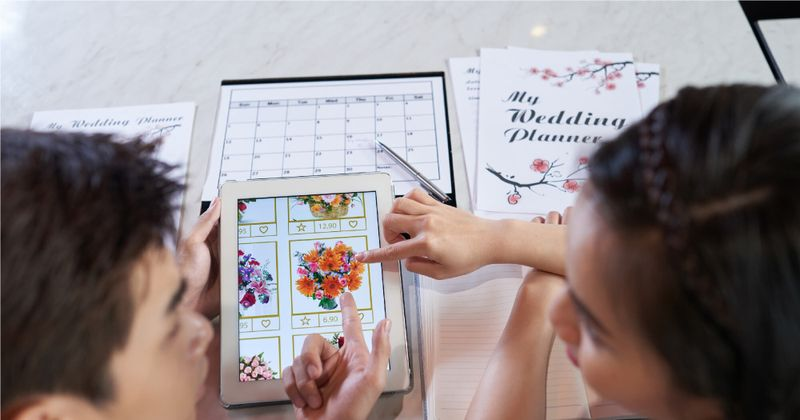 wedding planning decisions - SingSaver