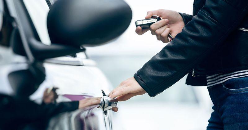 Unlocking a car using a remote car key - SingSaver